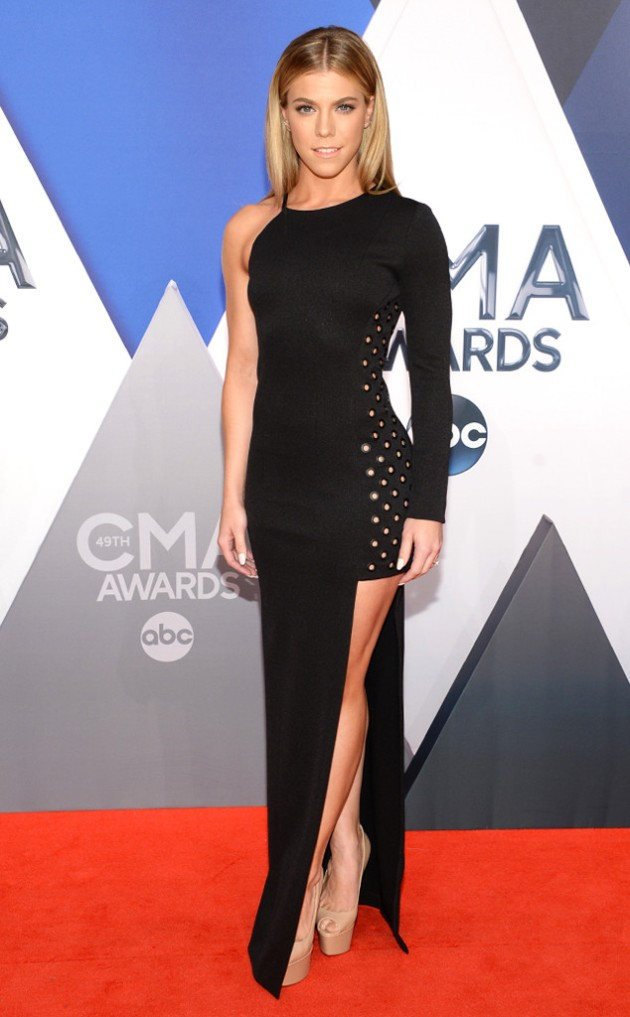 rs_634x1024-151104153332-634.Kimberly-Perry-CMA-Awards.ms.110415